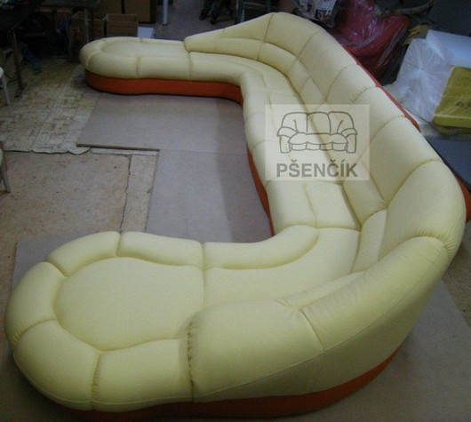 atypicka sedacka U