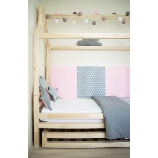 Detska postel ve tvaru domecku