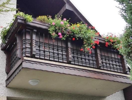 Vyrezavany dreveny balkon Vladeko